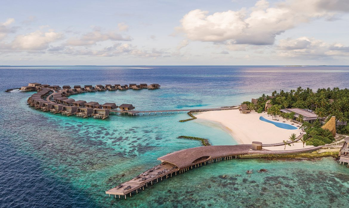 St. Regis Maldives Vommuli luxury resort Deborah Henning tropical