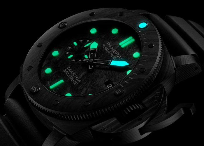 Panerai's Submersible PAM683 Wants to Go Diving With You